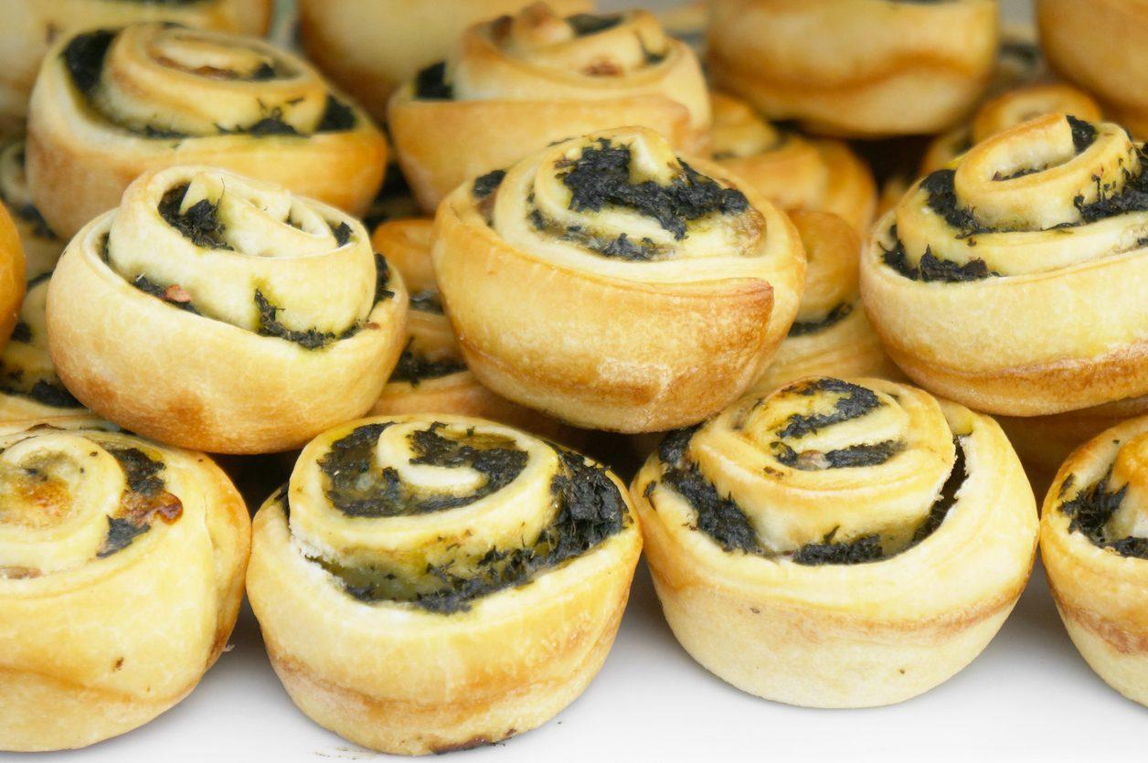Spinaci rolls: la ricetta dell'antipasto filante con la feta greca