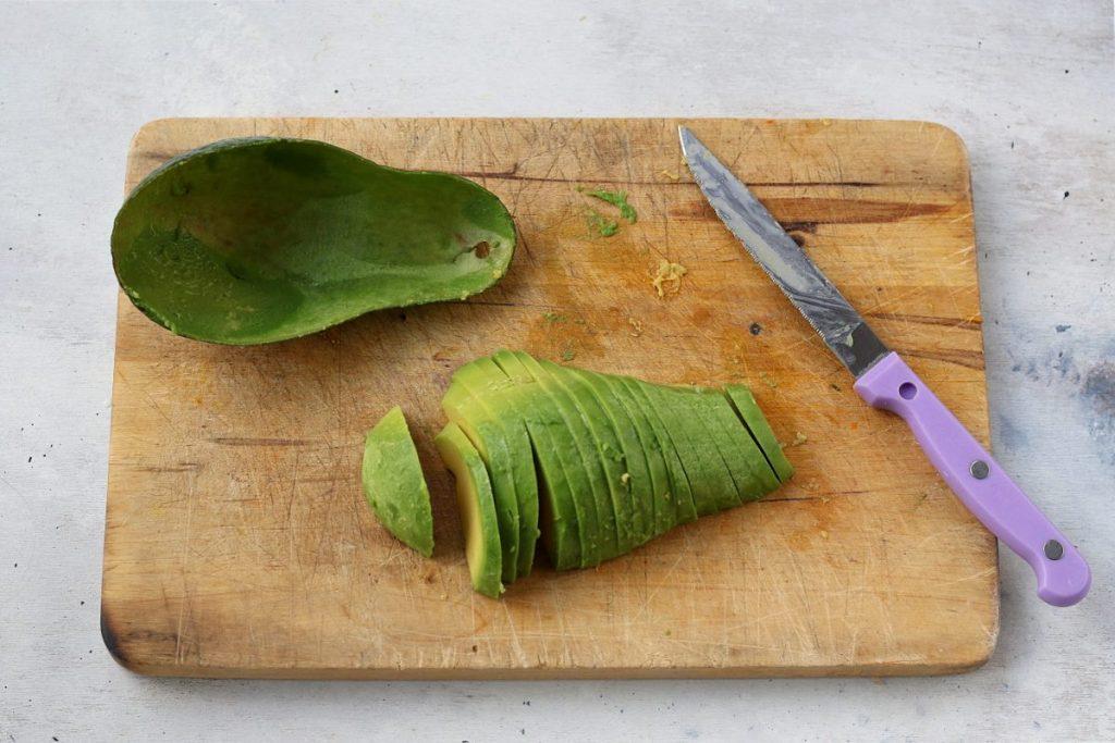 Sbucciare l'avocado