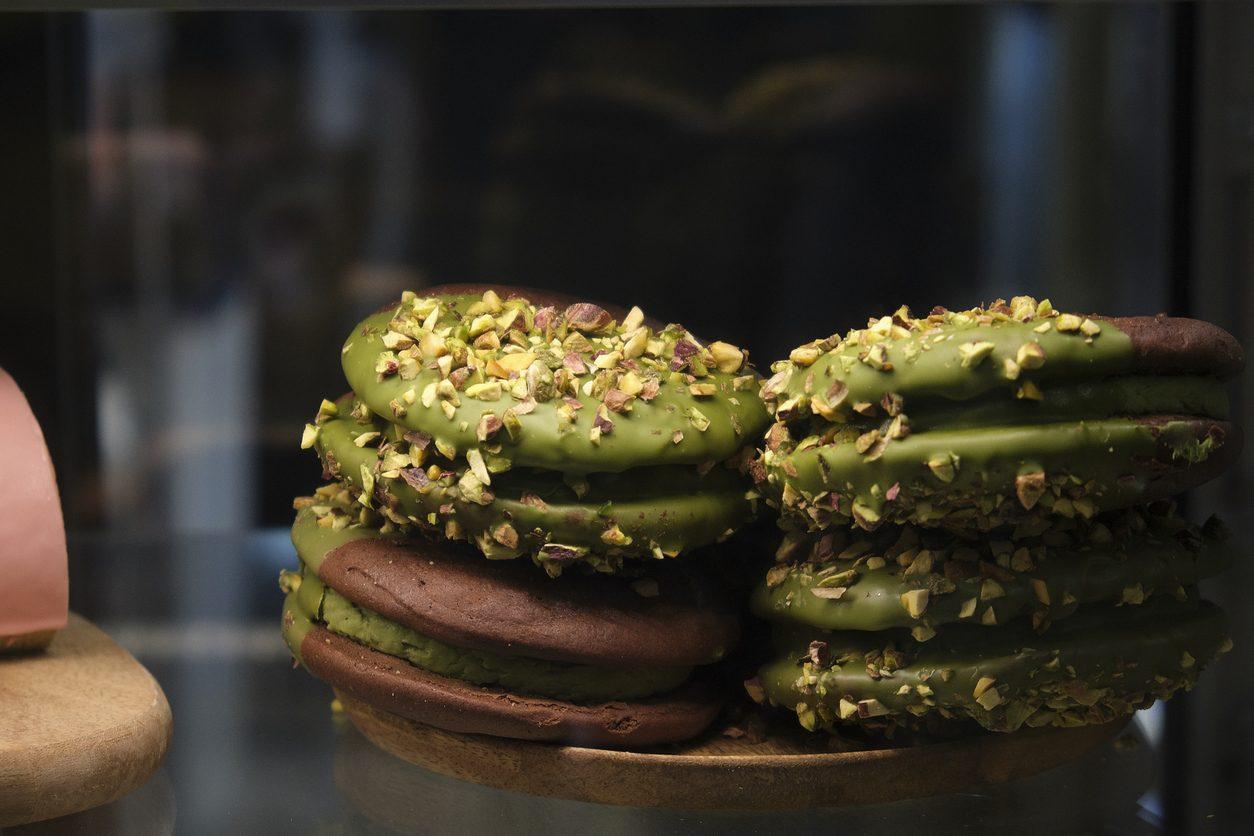 Cookies cioccolato e pistacchio: la ricetta dei biscotti sfiziosi e golosi