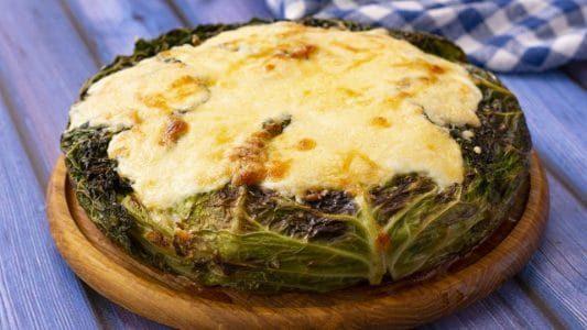 Lasagna di verza: la ricetta del primo piatto gustoso e completo
