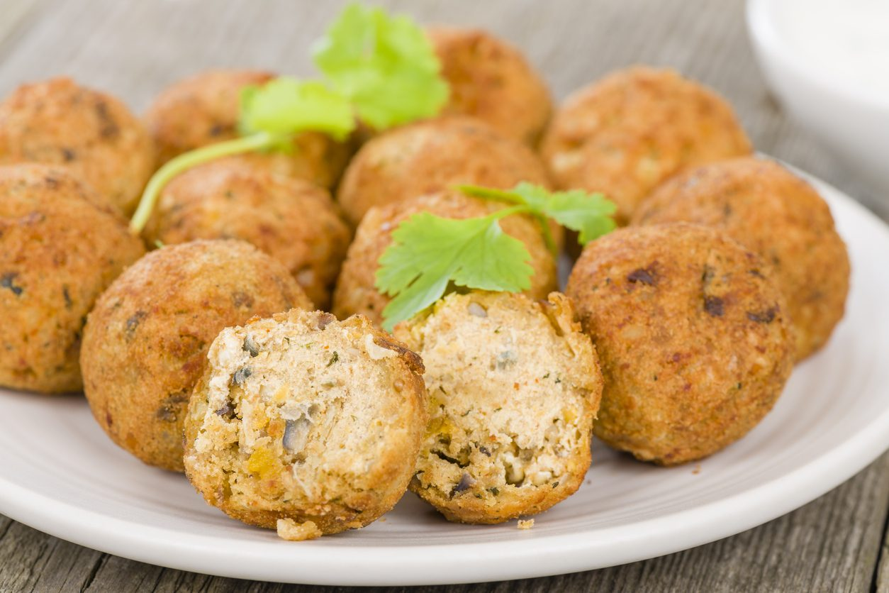 Polpette con farina di ceci: la ricetta del secondo piatto vegano leggero e gustoso