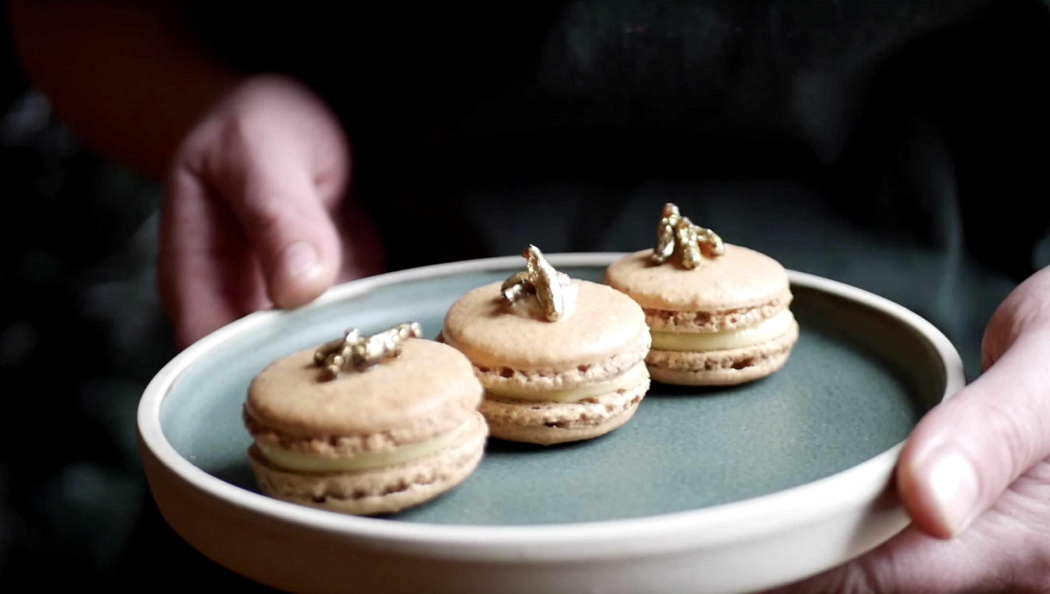 Cricket Macarons: la ricetta dei macarons con i grilli della scuola di cucina Studio Chef
