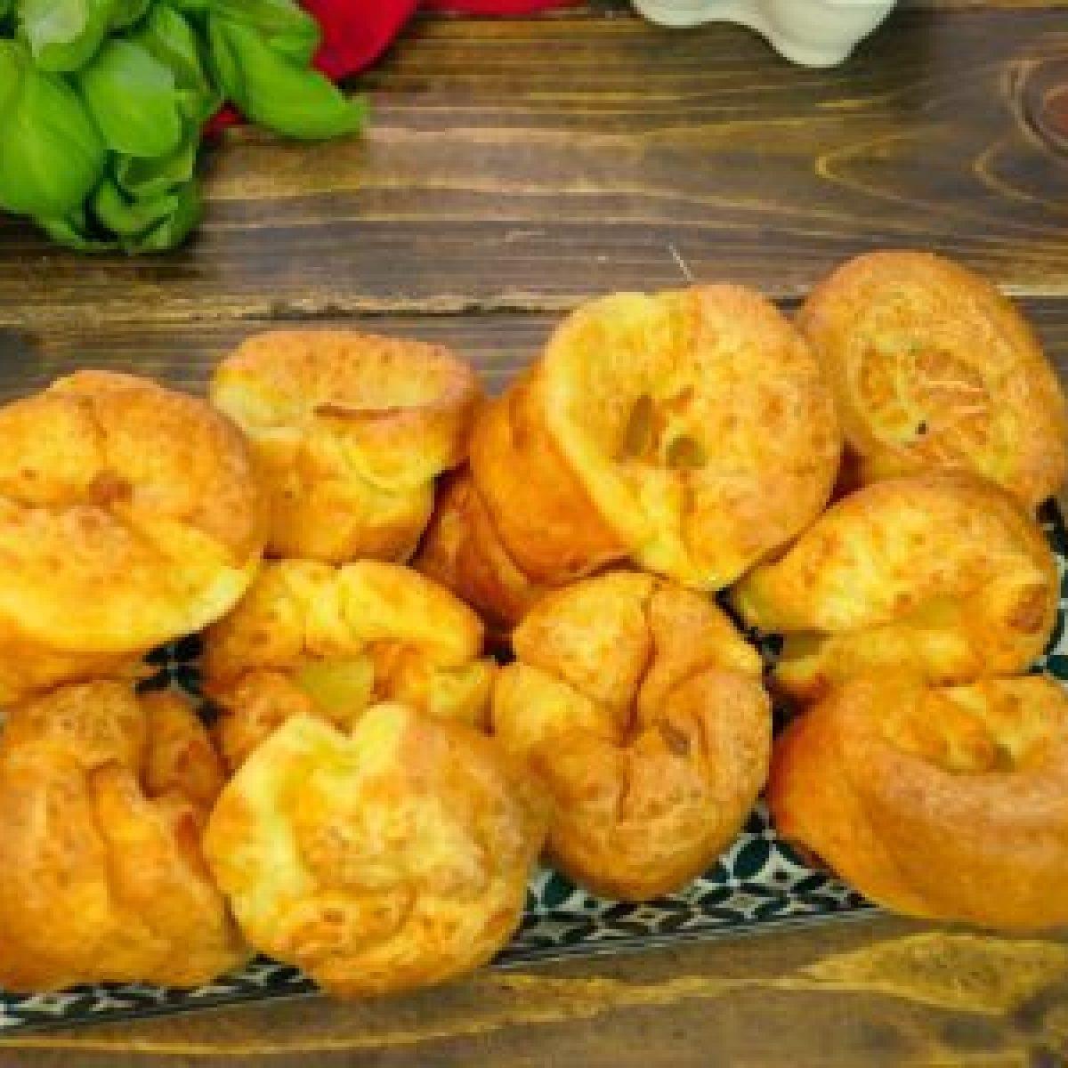 Yorkshire Pudding Ricetta Bimby.Yorkshire Pudding La Ricetta Del Contorno Anglosassone Ideale Per Il Roast Beef