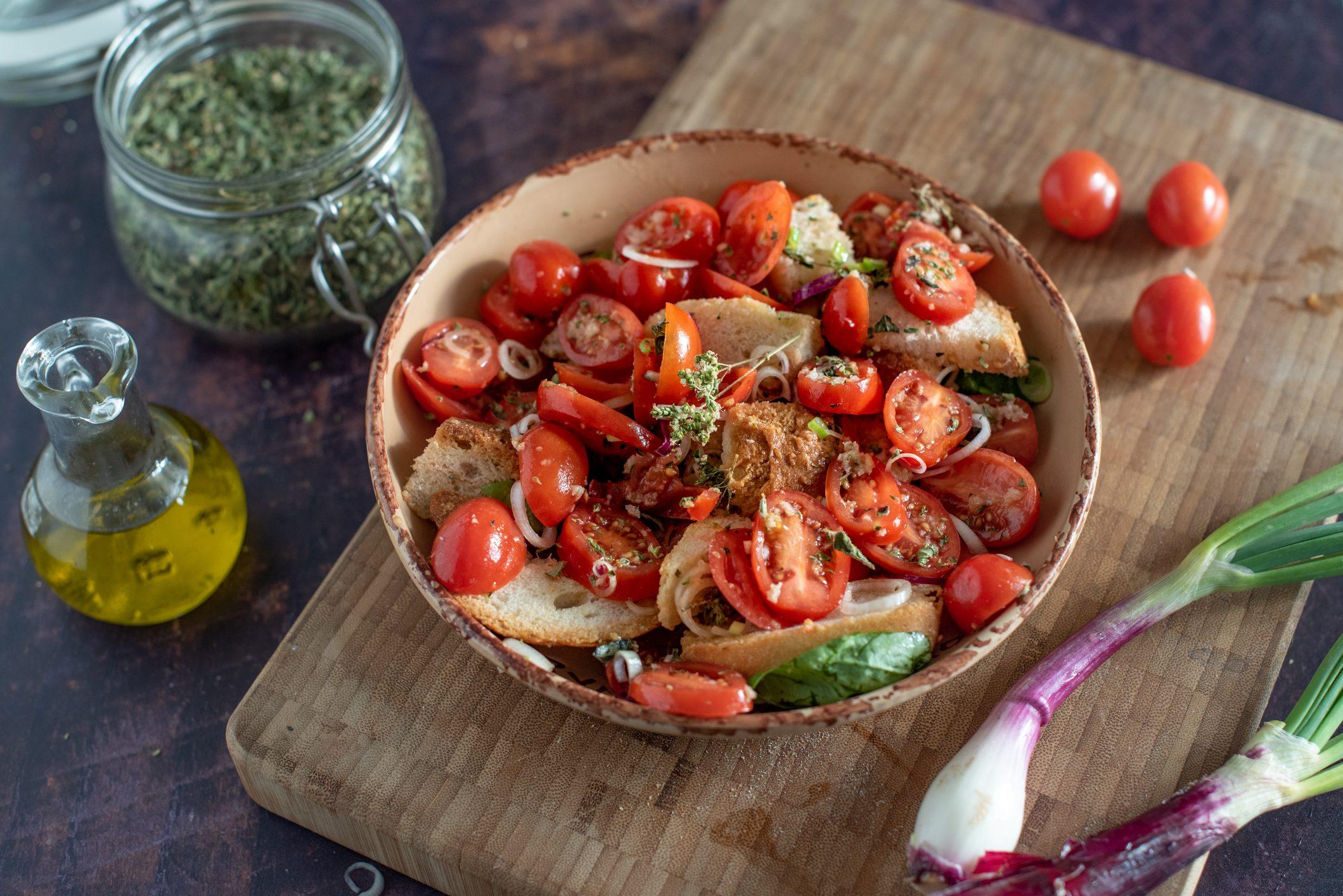 Acquasale: la ricetta gustosa e veloce del piatto tipico pugliese
