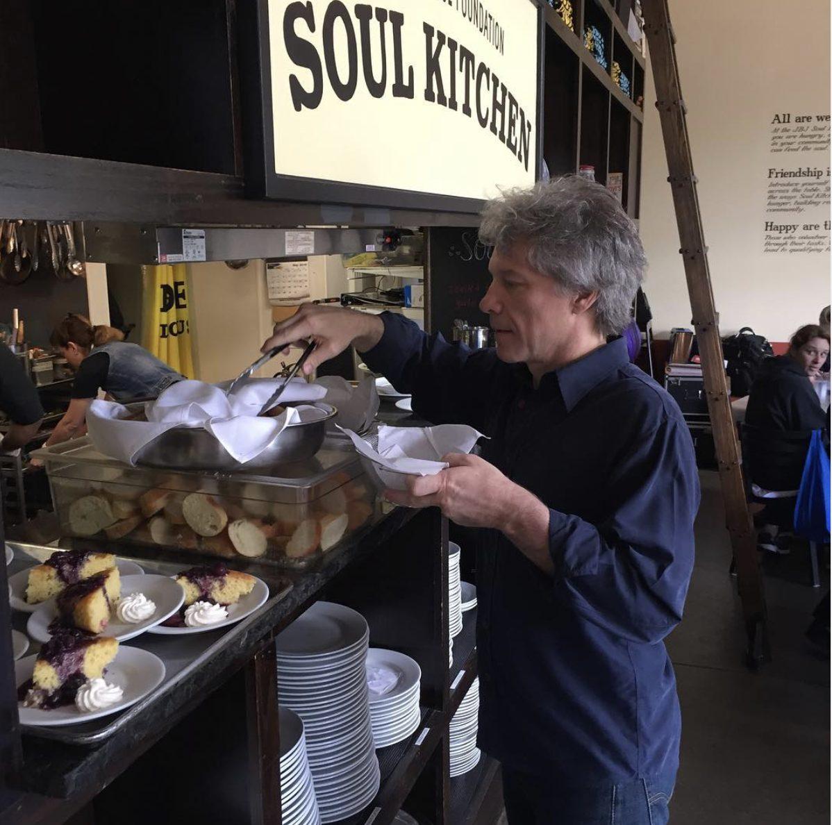 JBJ Soul Kitchen, i locali di Bon Jovi: cibo gratis a chi non ha soldi in cambio di lavoro