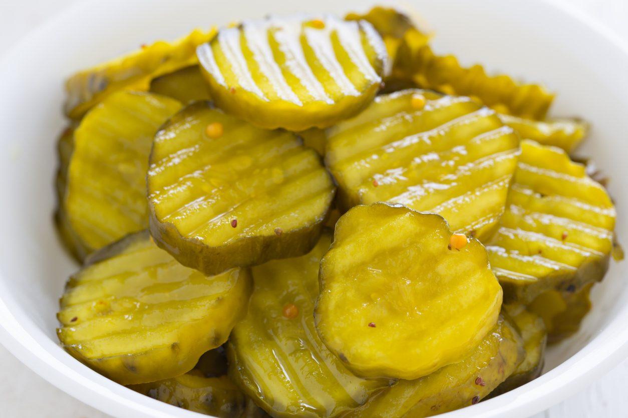 Cetriolini in agrodolce: la ricetta per prepararli in casa e conservarli a lungo