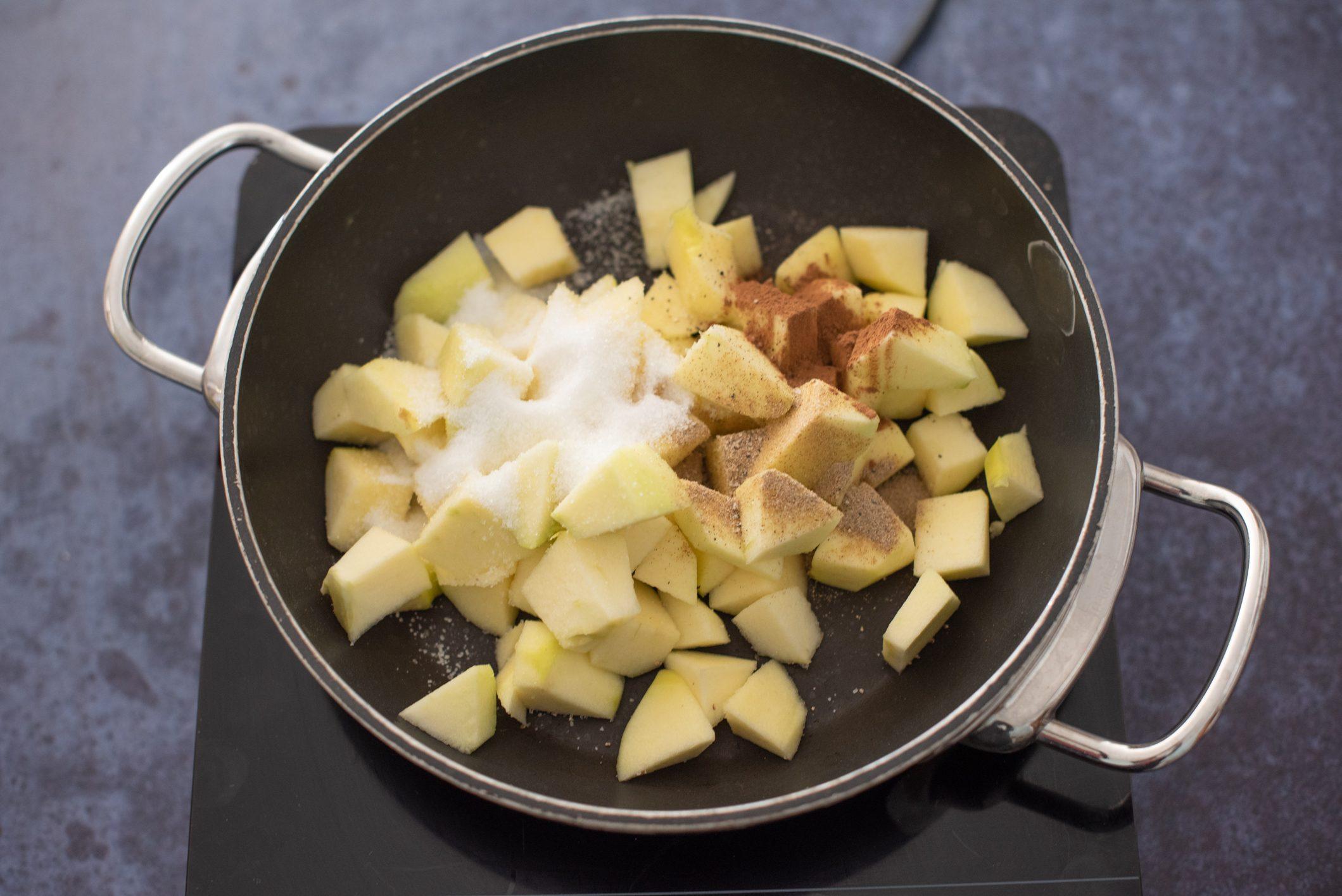 Composta di mele: la ricetta della conserva da fare a casa