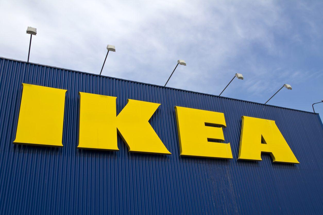 Ikea ritira un bicchiere dal mercato: contiene alti livelli di dibutiftalato