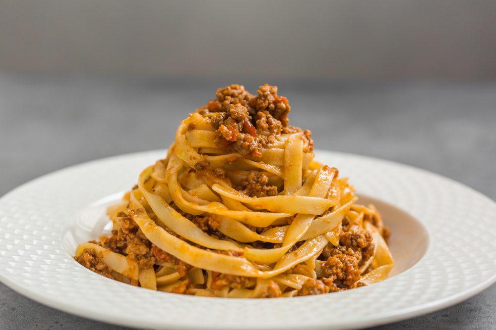"""Bologna """"la grassa"""": i piatti tipici bolognesi e gli indirizzi migliori dove mangiarli"""
