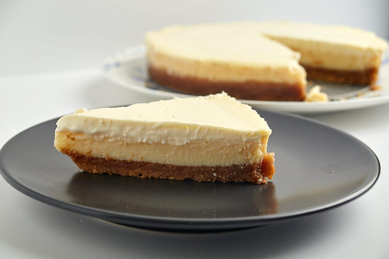 Torta semifredda al limone: la ricetta del dolce fresco, facile e goloso