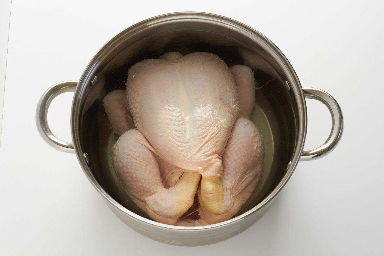 Zuppa di pollo e verdure: il piatto unico succulento e nutriente