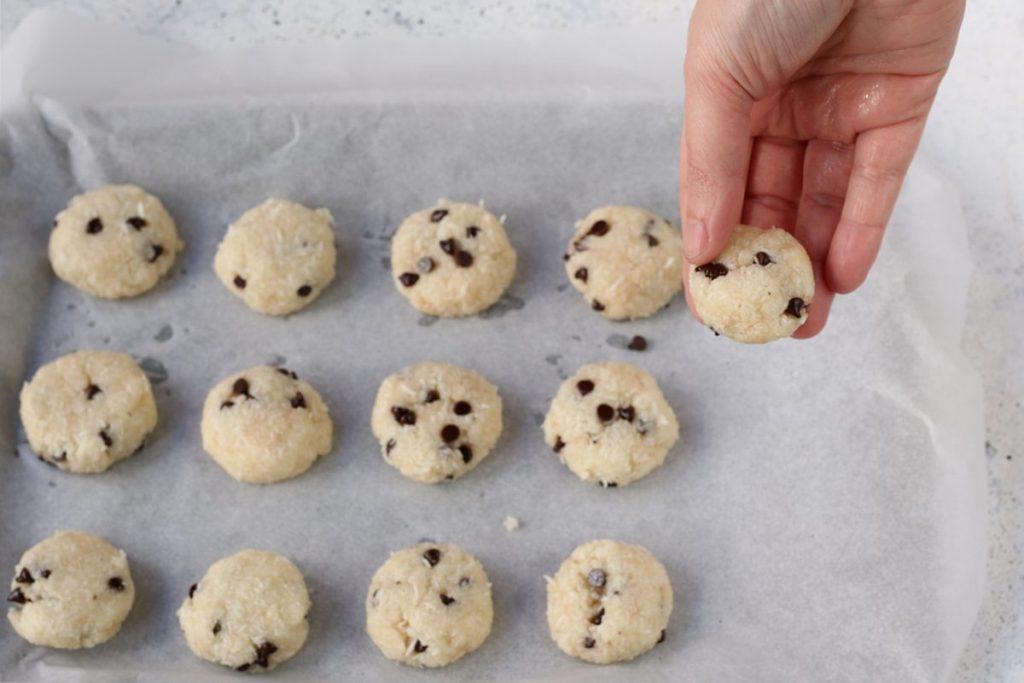 come formare biscotti al cocco