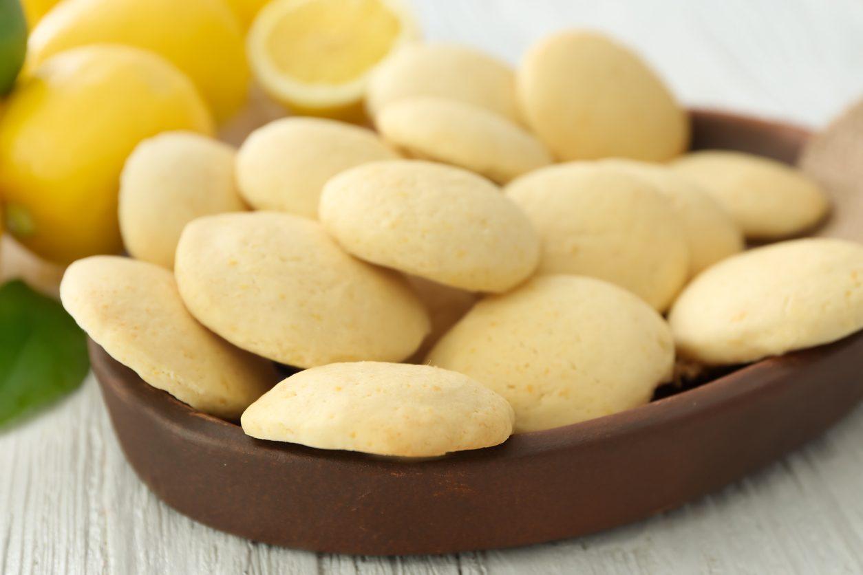 Biscotti al limoncello: la ricetta dei pasticcini deliziosi e profumati