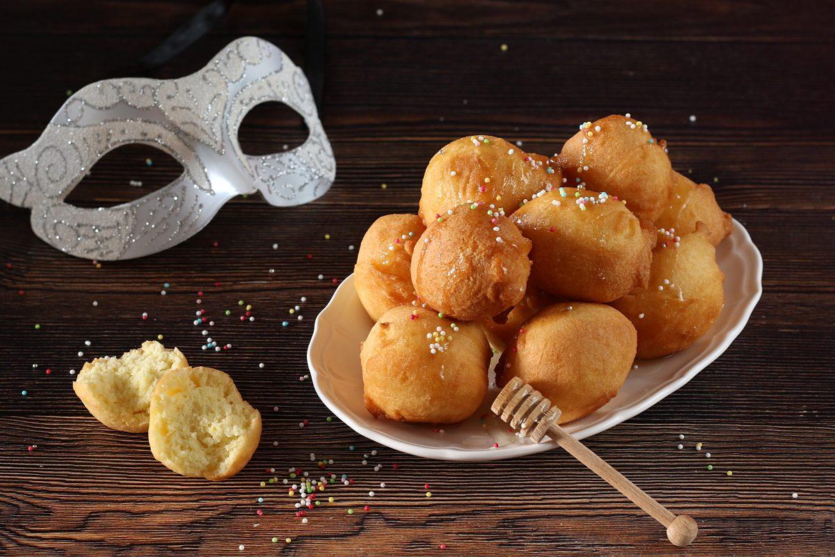 Castagnole umbre: la ricetta del dolce di carnevale soffice e aromatico