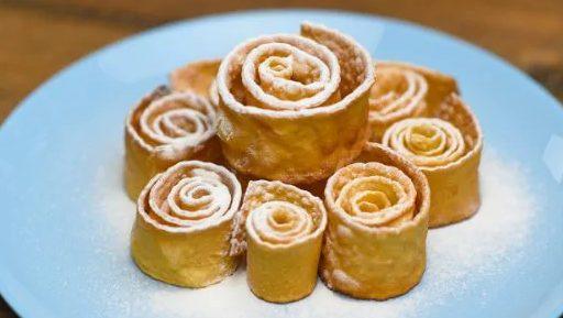 Chiacchiere arrotolate: la ricetta dei dolcetti di Carnevale croccanti e golosi