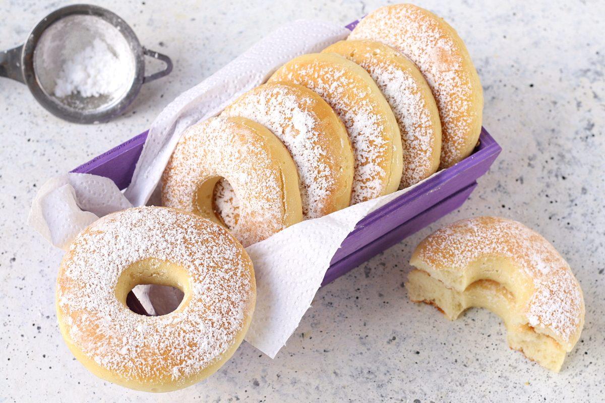 Ricetta Dei Donuts Al Forno.Ciambelle Al Forno La Ricetta Leggera Variante Dei Donuts Americani