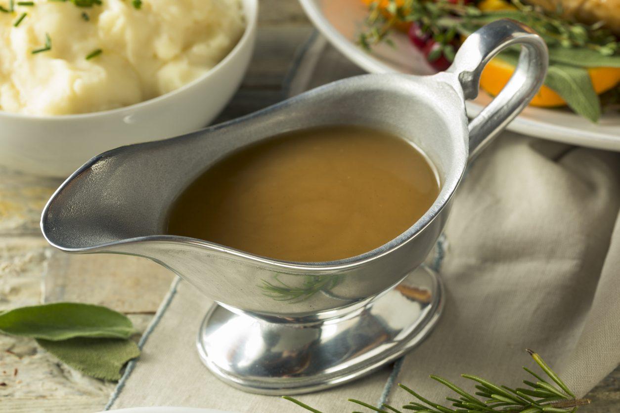 Salsa gravy: la ricetta della tradizione inglese e americana per accompagnare gli arrosti