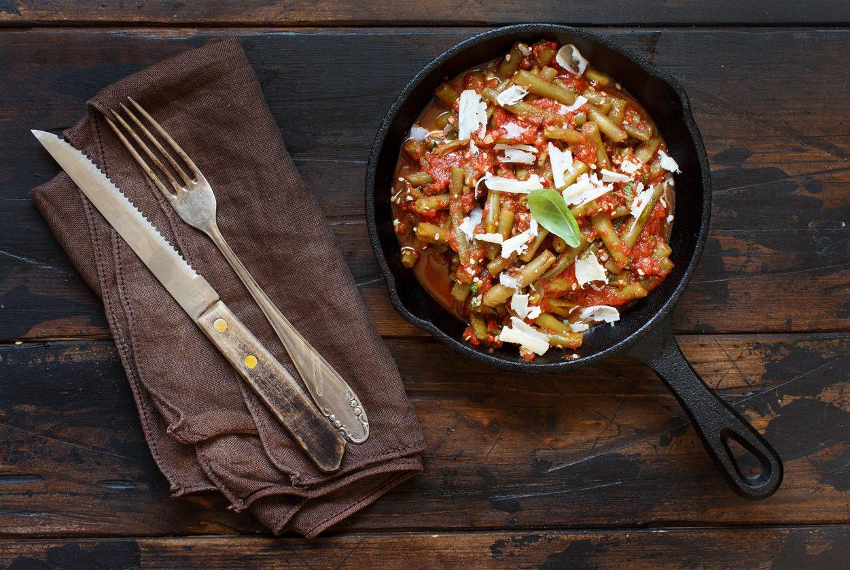 Taccole al pomodoro: la ricetta del contorno semplice e genuino