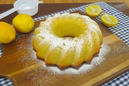 Torta al limone 12 cucchiai: la ricetta del dolce facile e veloce senza bilancia