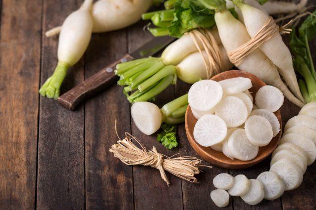 Daikon: proprietà, benefici e usi in cucina