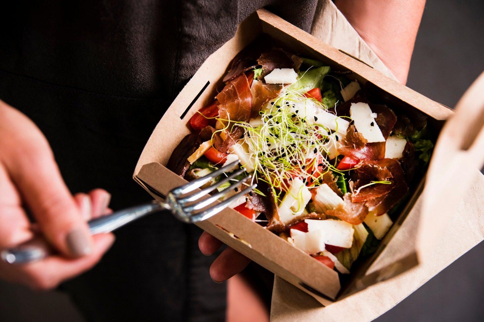 Doggy bag obbligatoria per i ristoratori: scatta la petizione anti-spreco