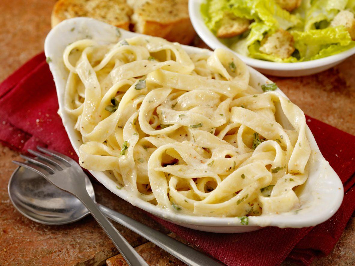 L'America festeggia le Fettuccine Alfredo: storia del piatto, dispute e ricetta originale