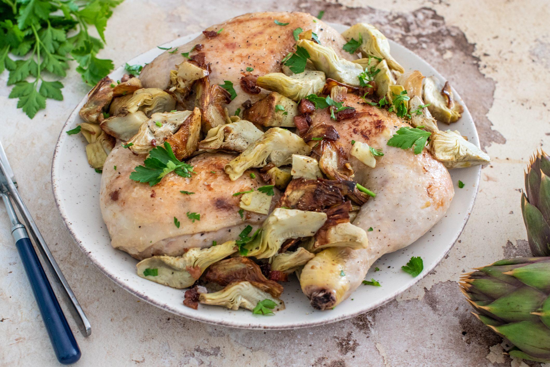 Pollo ai carciofi: la ricetta del secondo piatto delizioso da cucinare in anticipo