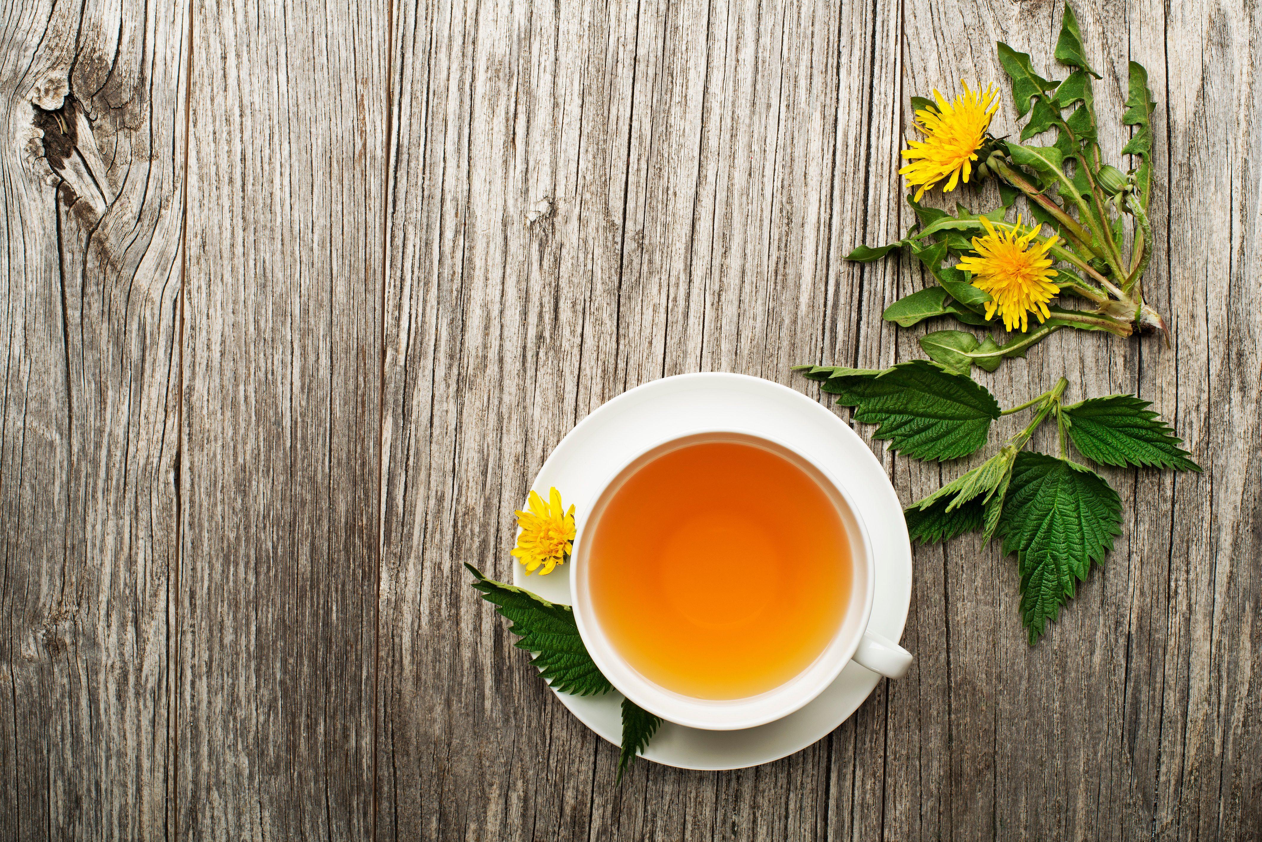 Rimedi naturali, tisane digestive: la tisana al tarassaco