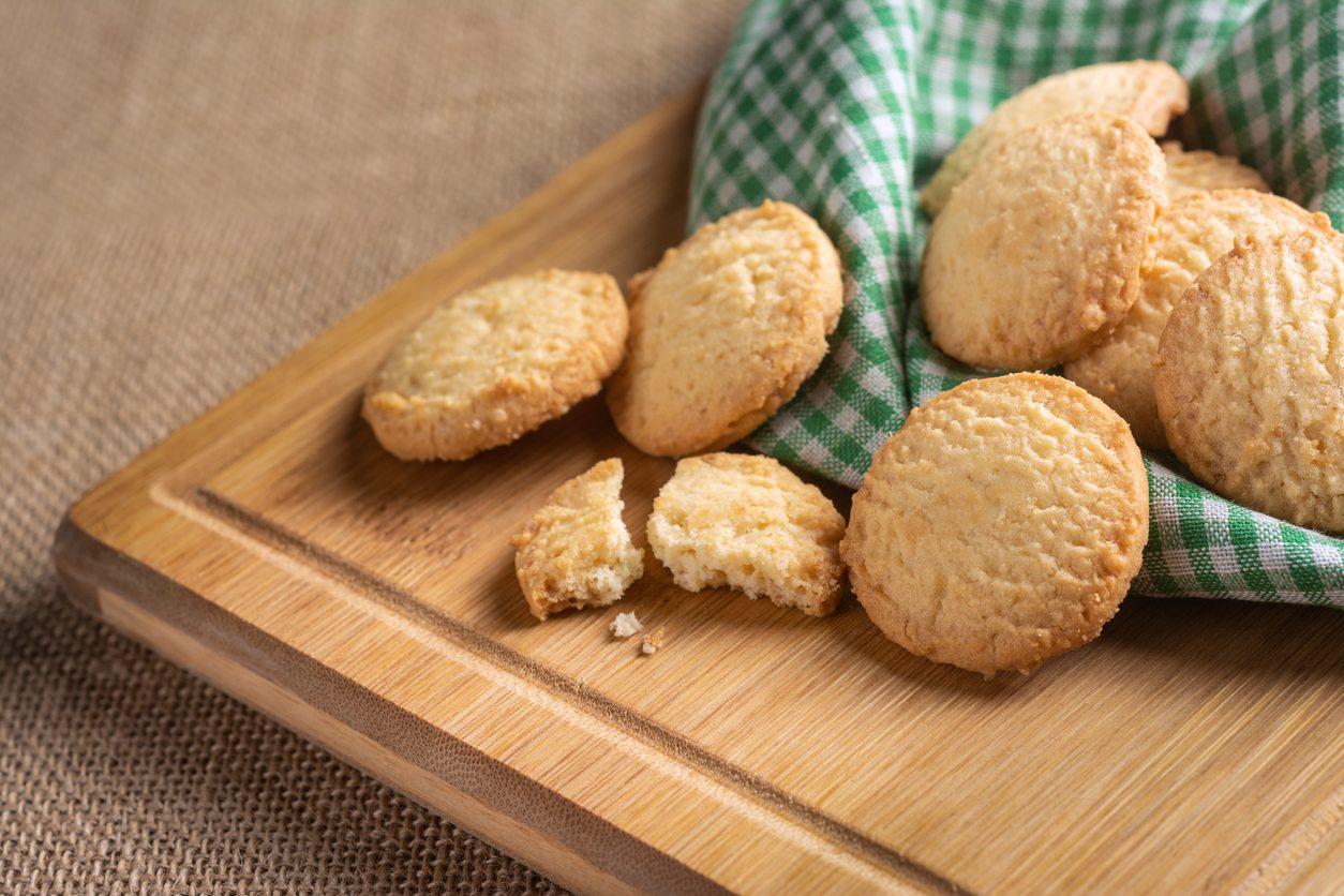 Biscotti della nonna velocissimi: la ricetta dei frollini pronti in 5 minuti
