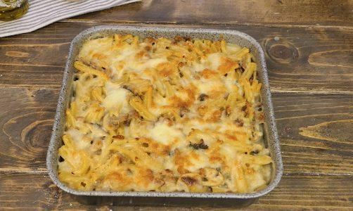 Casarecce al forno: la ricetta del primo piatto semplice con besciamella e salsiccia