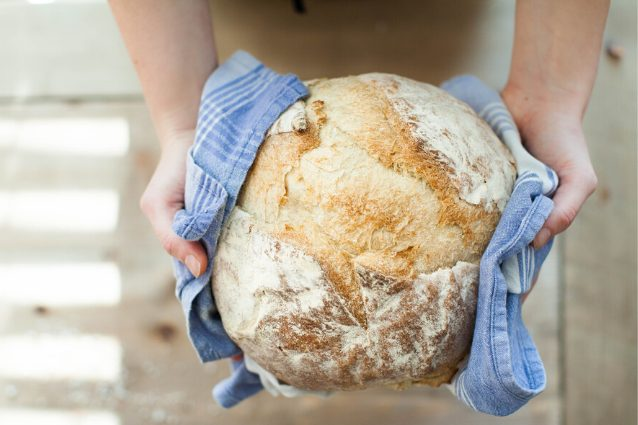 Pane con lievito madre secco: la ricetta dell'impasto fatto in casa