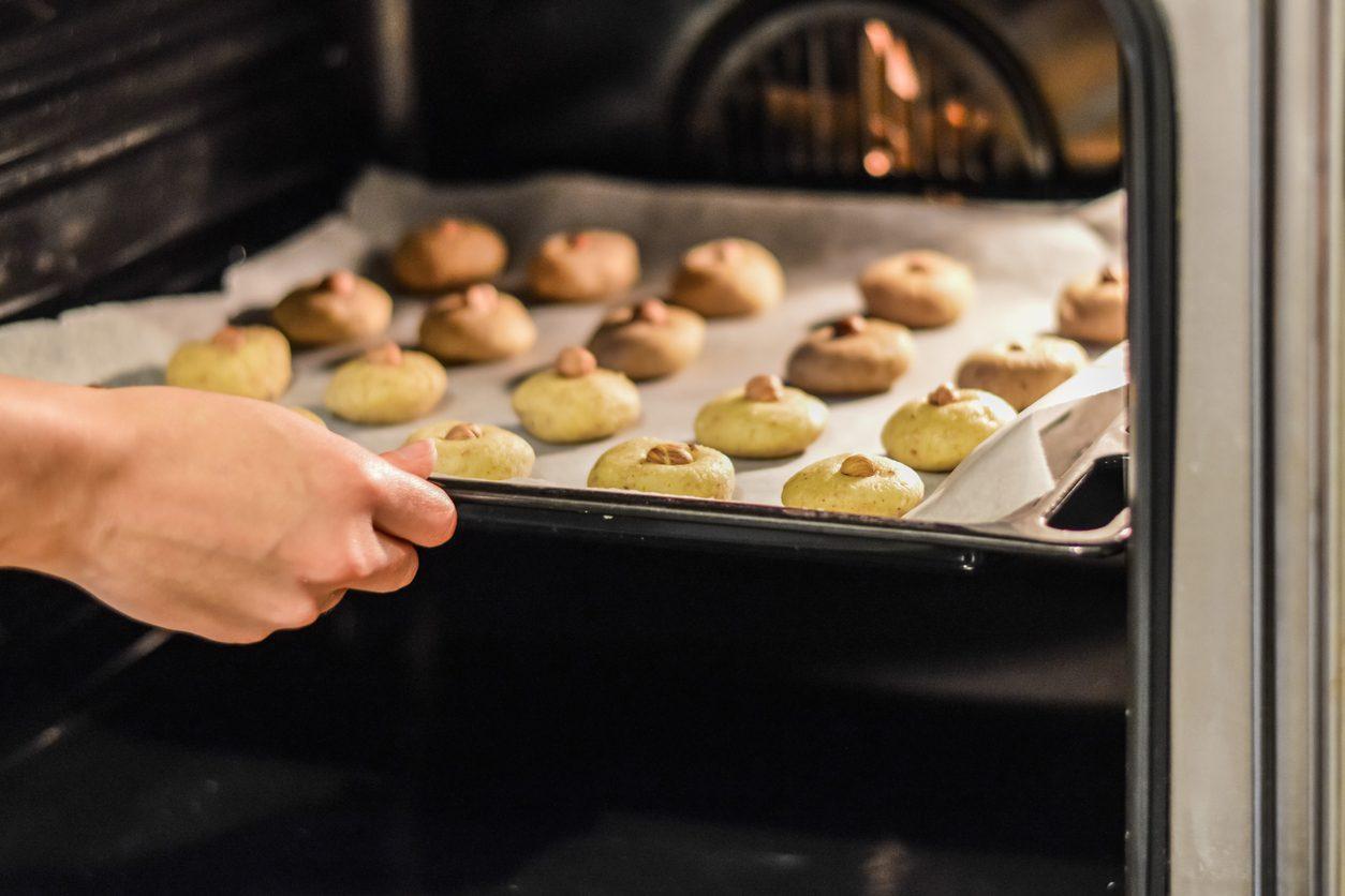 Cosa usare al posto della carta forno: tutte le alternative per sostituirla