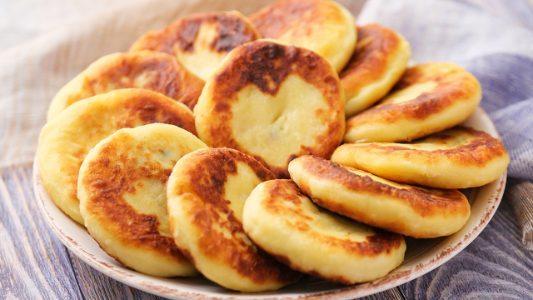 Medaglioni di patate ripieni: la ricetta del secondo piatto facile e appetitoso