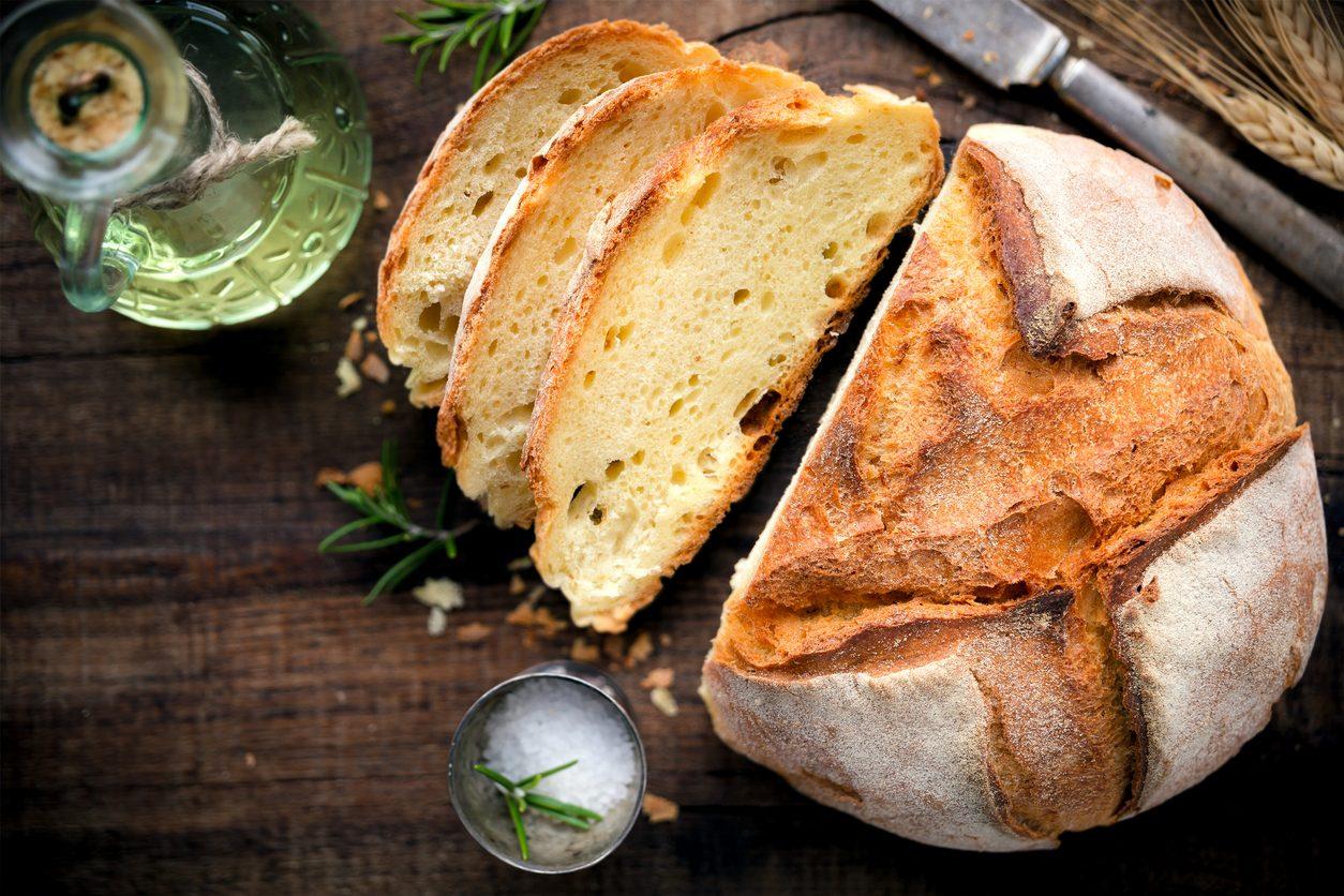 Pane di semola: la ricetta per prepararlo croccante a casa
