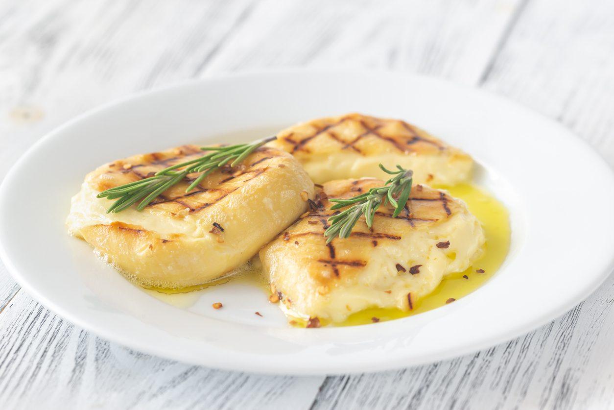 Provola alla piastra: la ricetta del secondo piatto semplice e irresisitibile