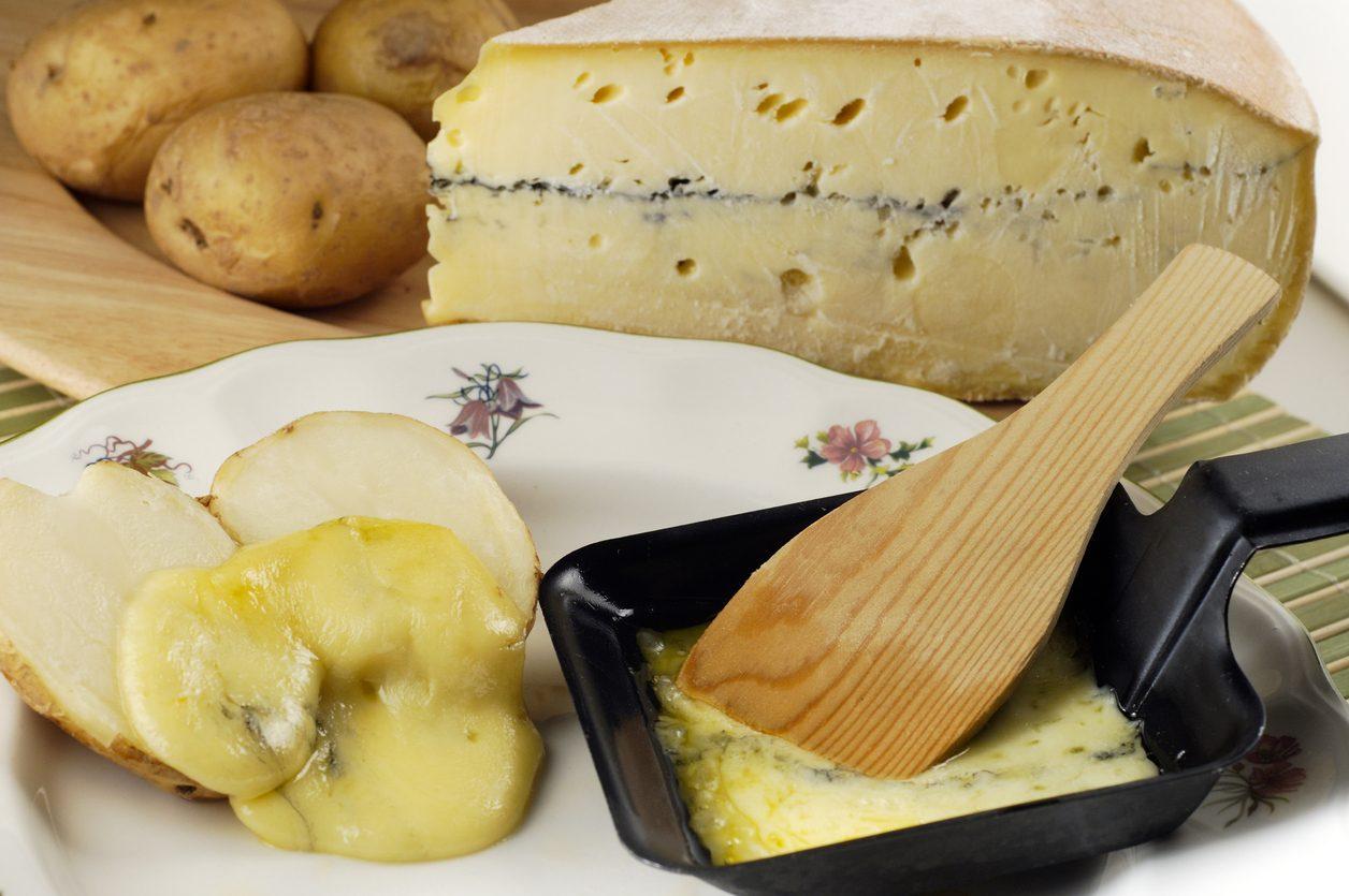 Raclette del Vallese DOP: cos'è e come si fa il formaggio svizzero