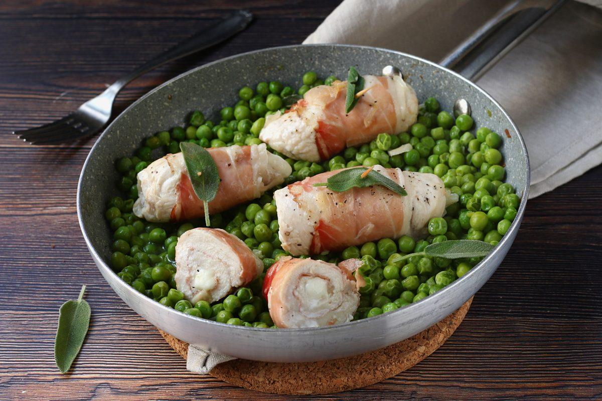 Rotolini di pollo: la ricetta del secondo facile e goloso con primosale e speck