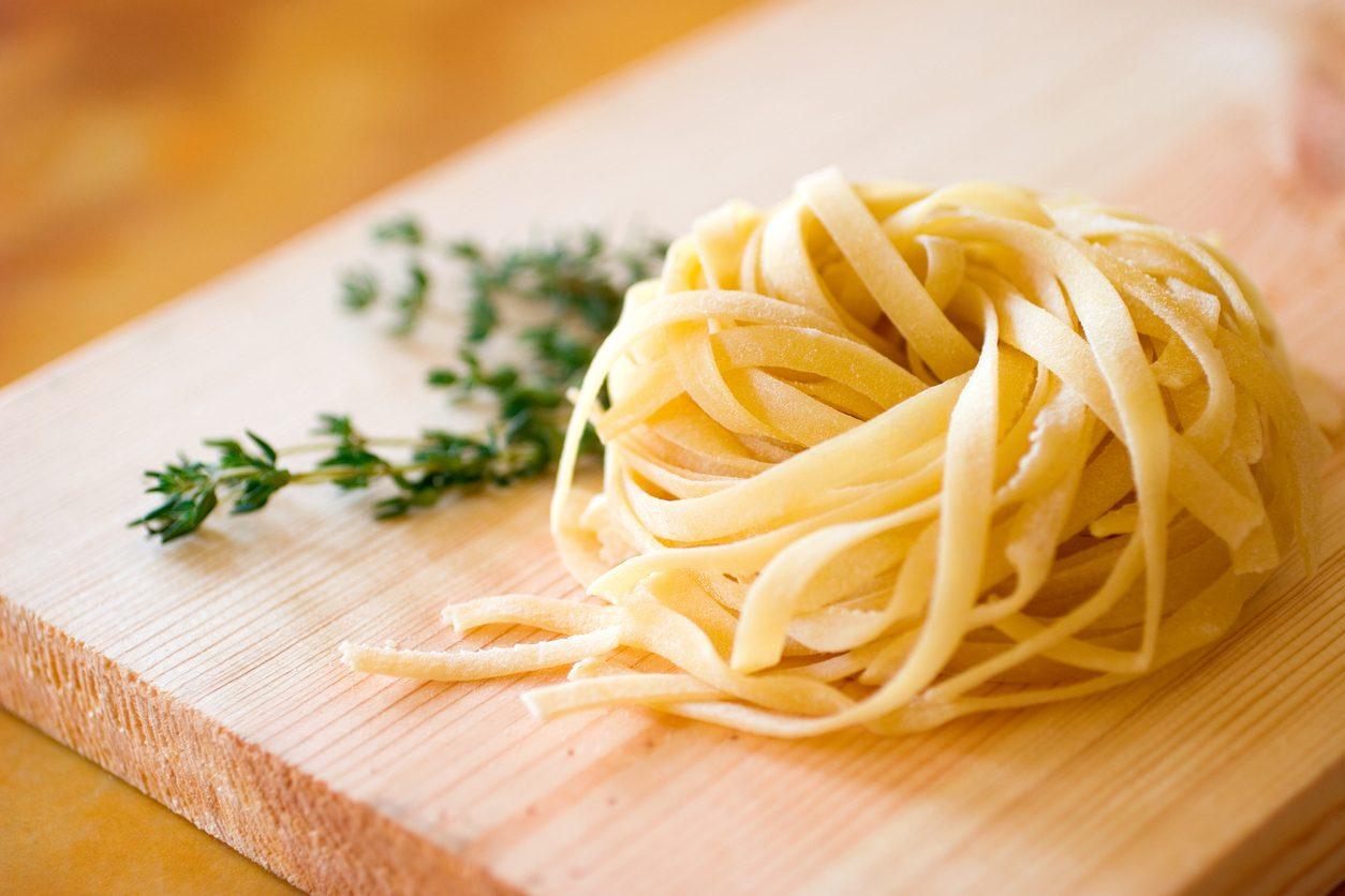 Tagliatelle acqua e farina: la ricetta della pasta fresca senza uova