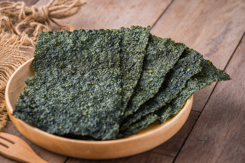 Le alghe, un universo tutto da scoprire: benefici, varietà e usi in cucina