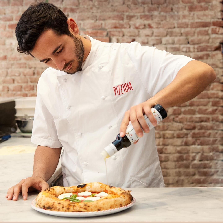 Milano, pizze gratis agli infermieri che combattono il Coronavirus