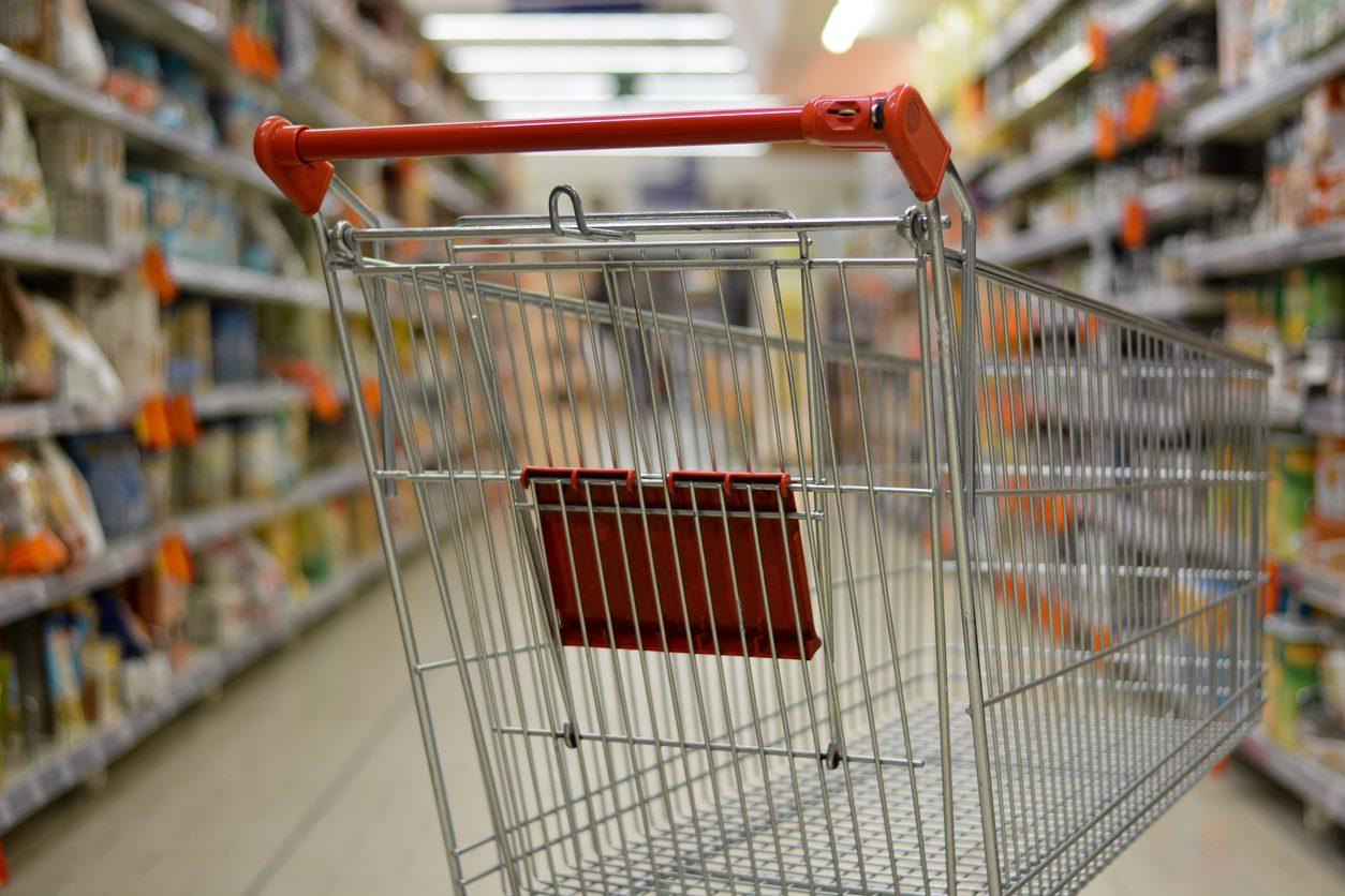 Coronavirus, i nuovi orari dei supermercati e le limitazioni regionali