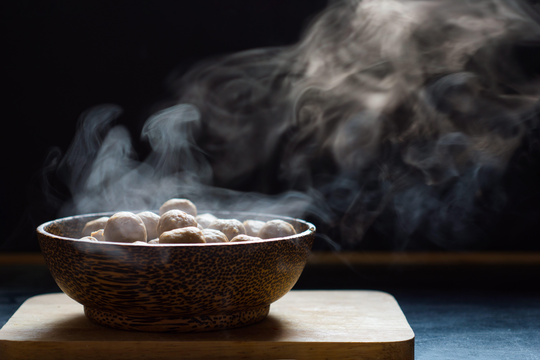 Come cucinare nel microonde: trucchi e consigli