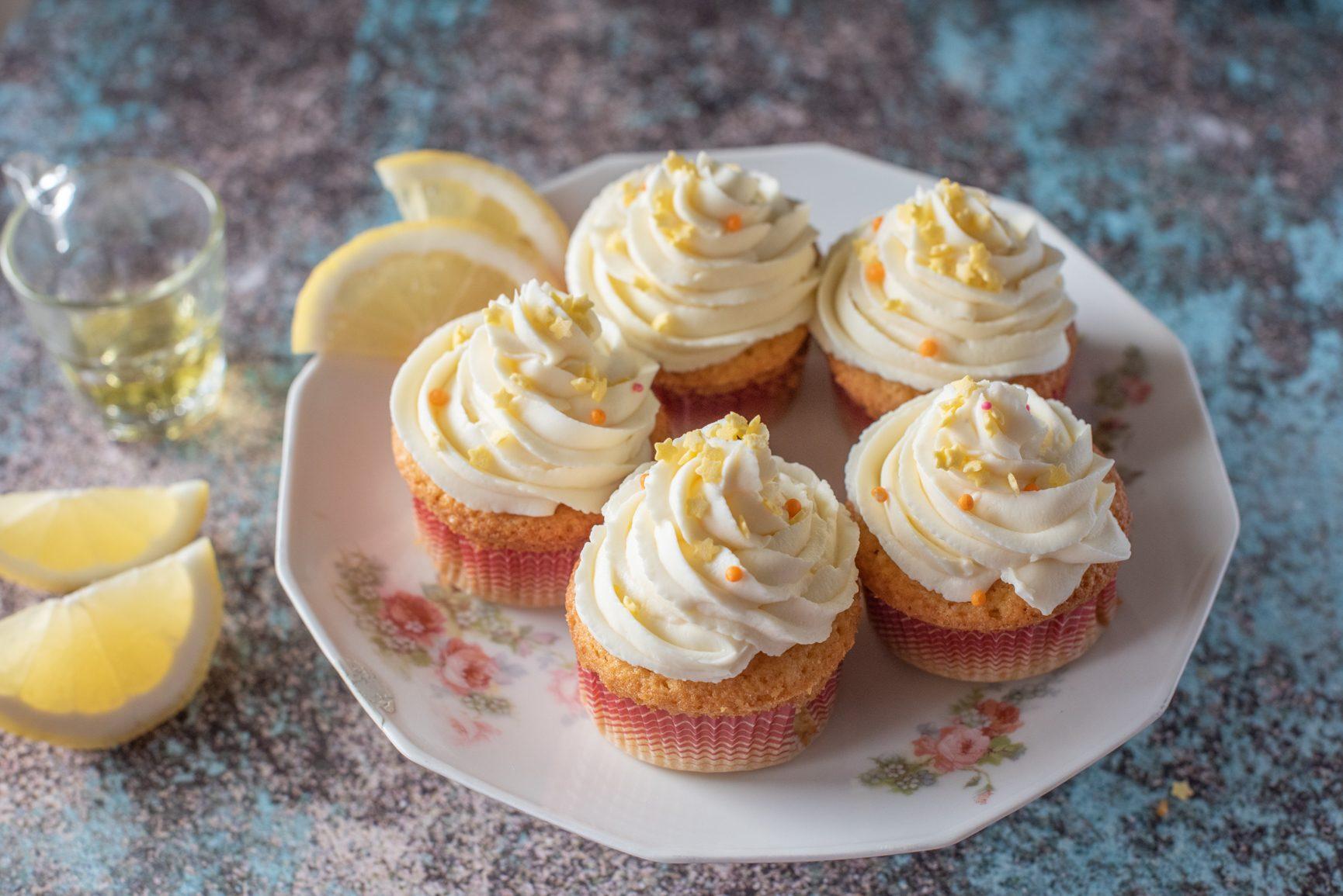 Cupcakes al limoncello: la ricetta dei dolcetti golosi e freschissimi
