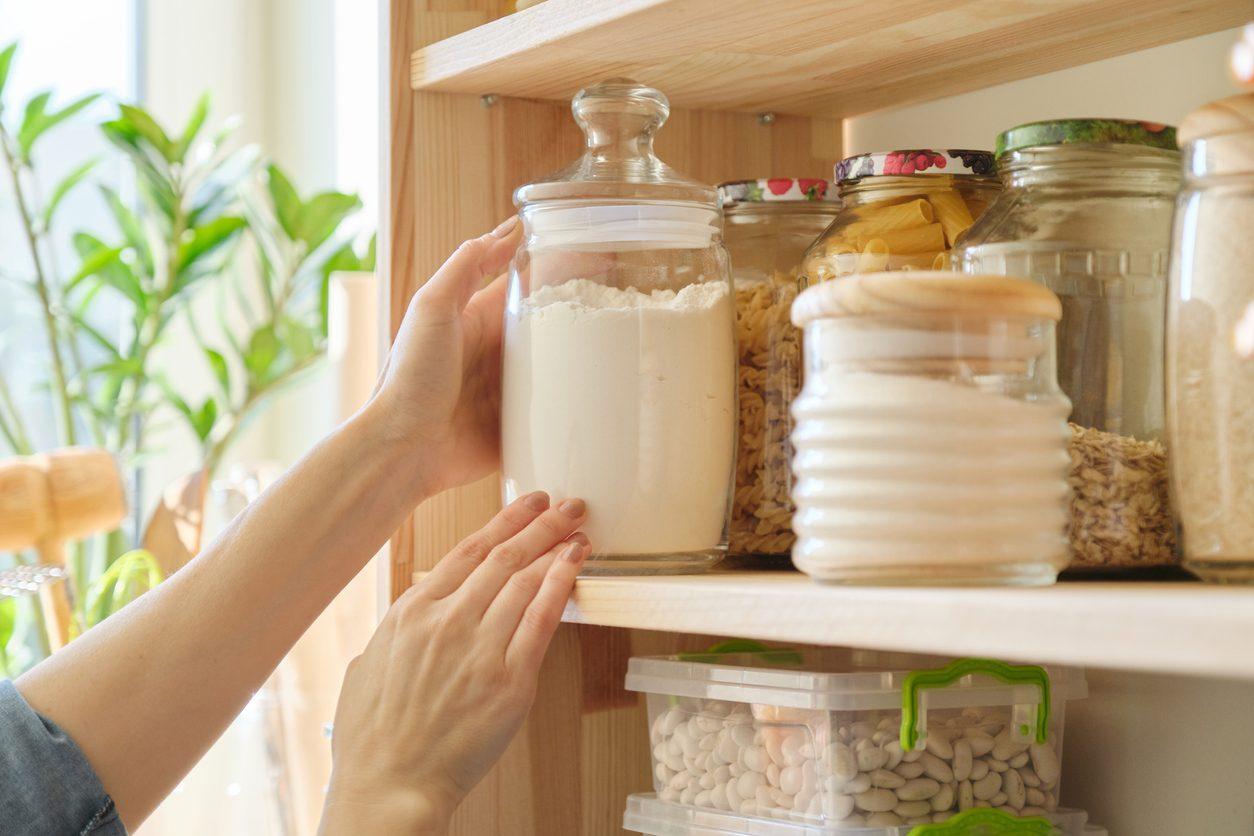 Come tenere lontane le farfalline dal cibo con rimedi naturali