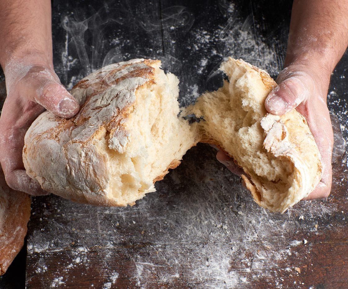 Come fare il pane ad alta idratazione: la ricetta per un impasto soffice e gonfio