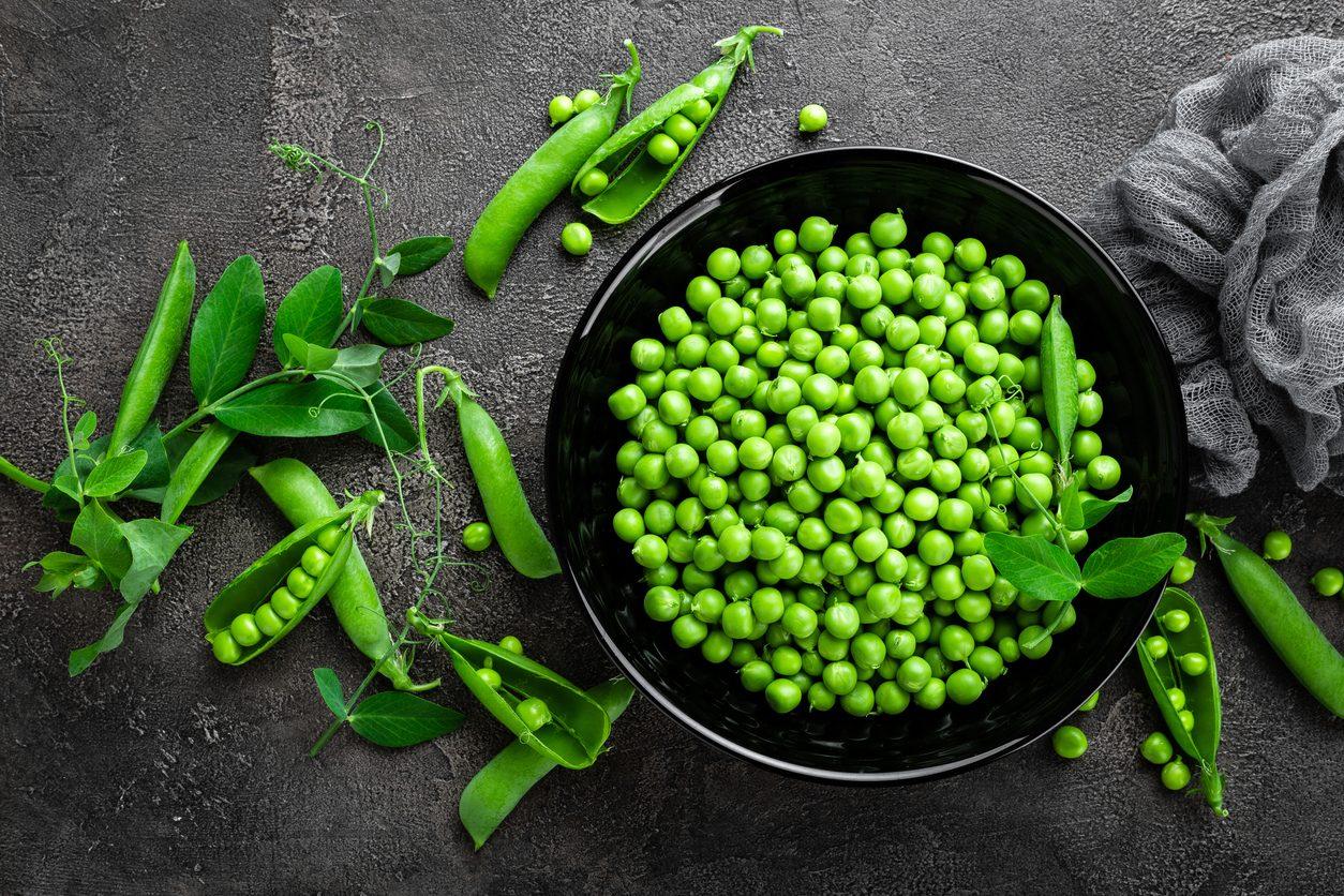Piselli: proprietà, benefici e come usarli al meglio in cucina