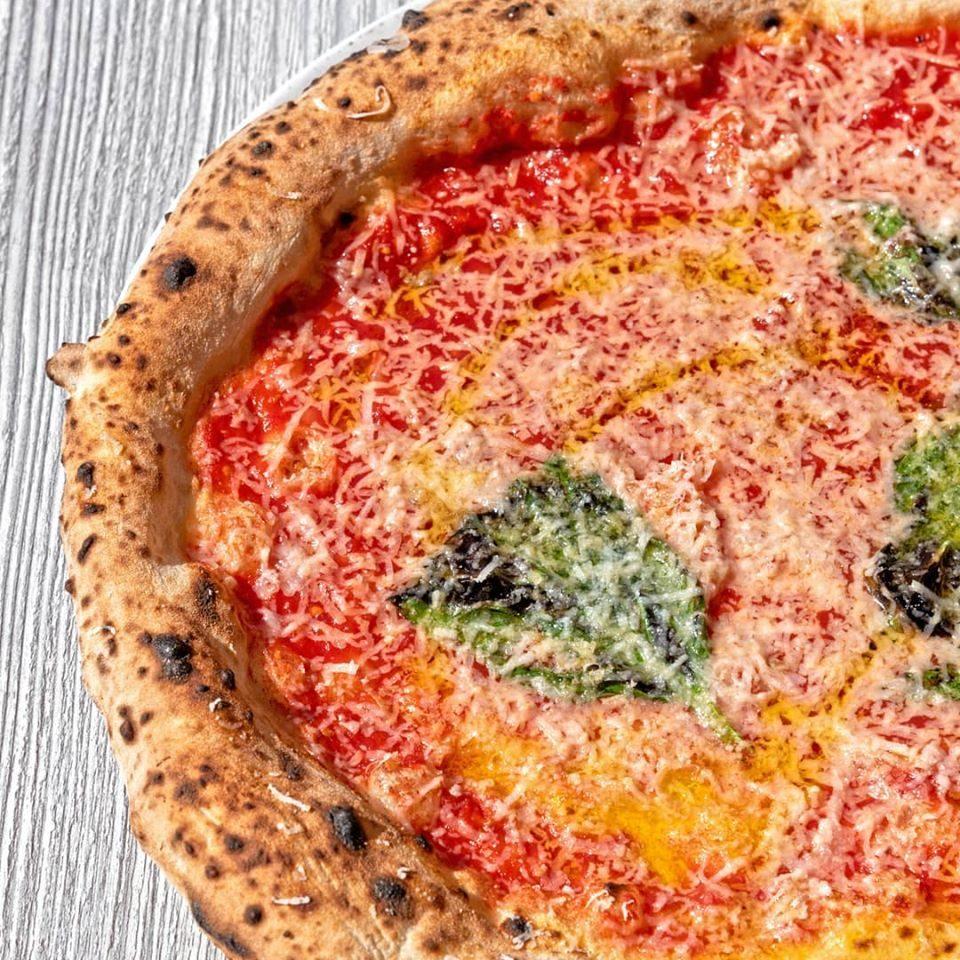Pizza Cosacca, la storia tra gli Zar di Russia e la fantasia napoletana