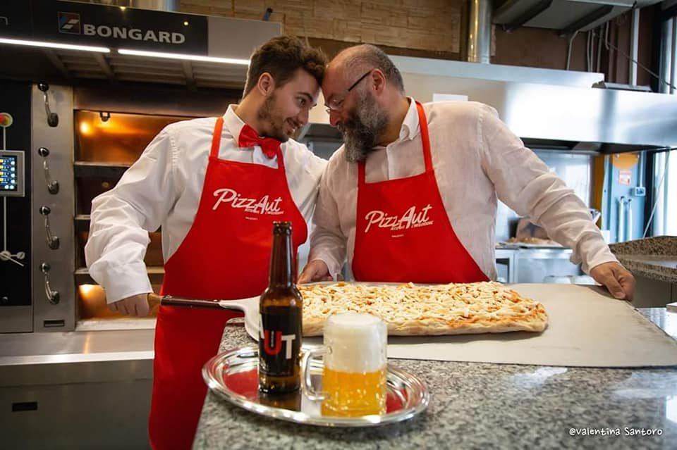 """Apre la prima pizzeria gestita da ragazzi autistici: PizzAut, """"Nutriamo l'inclusione"""""""