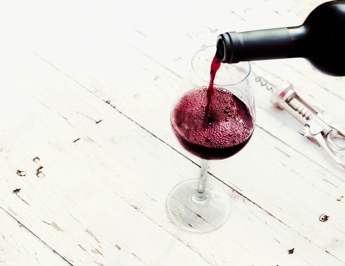 10 vini da provare in isolamento che potete trovare al supermercato sotto casa