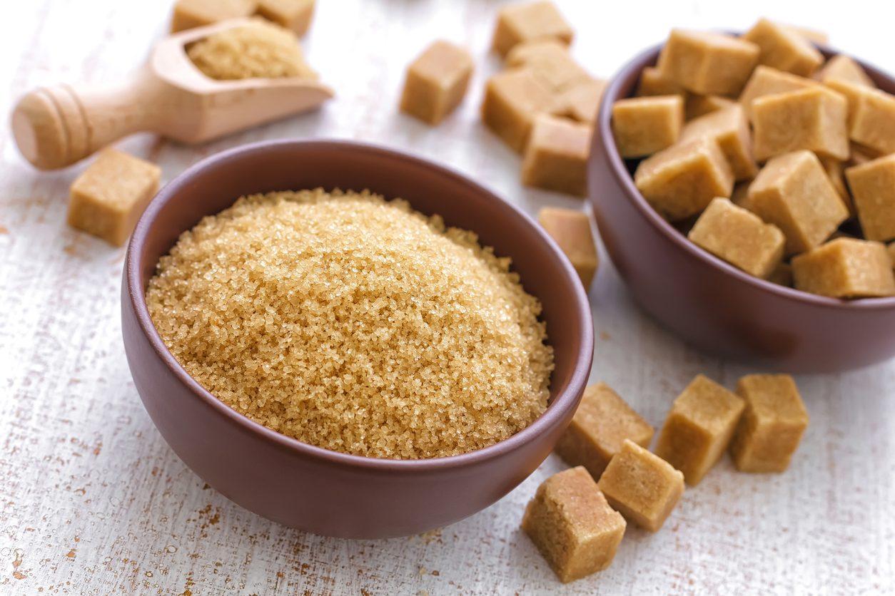 Zucchero di canna, differenze con lo zucchero bianco e falsi miti